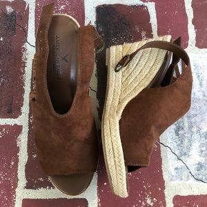 American Eagle wedges size 7